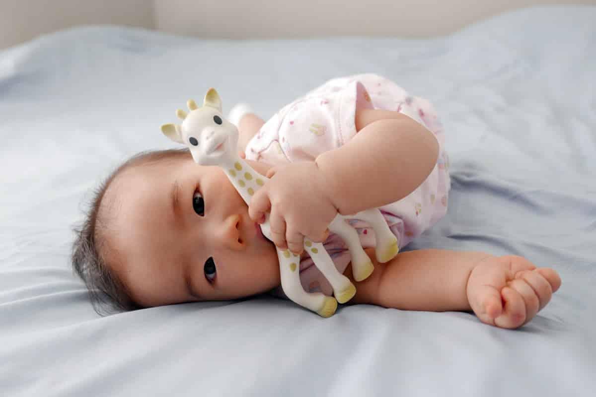 Sophie la Girafe pour le bon développement de bébé - Aller bébé