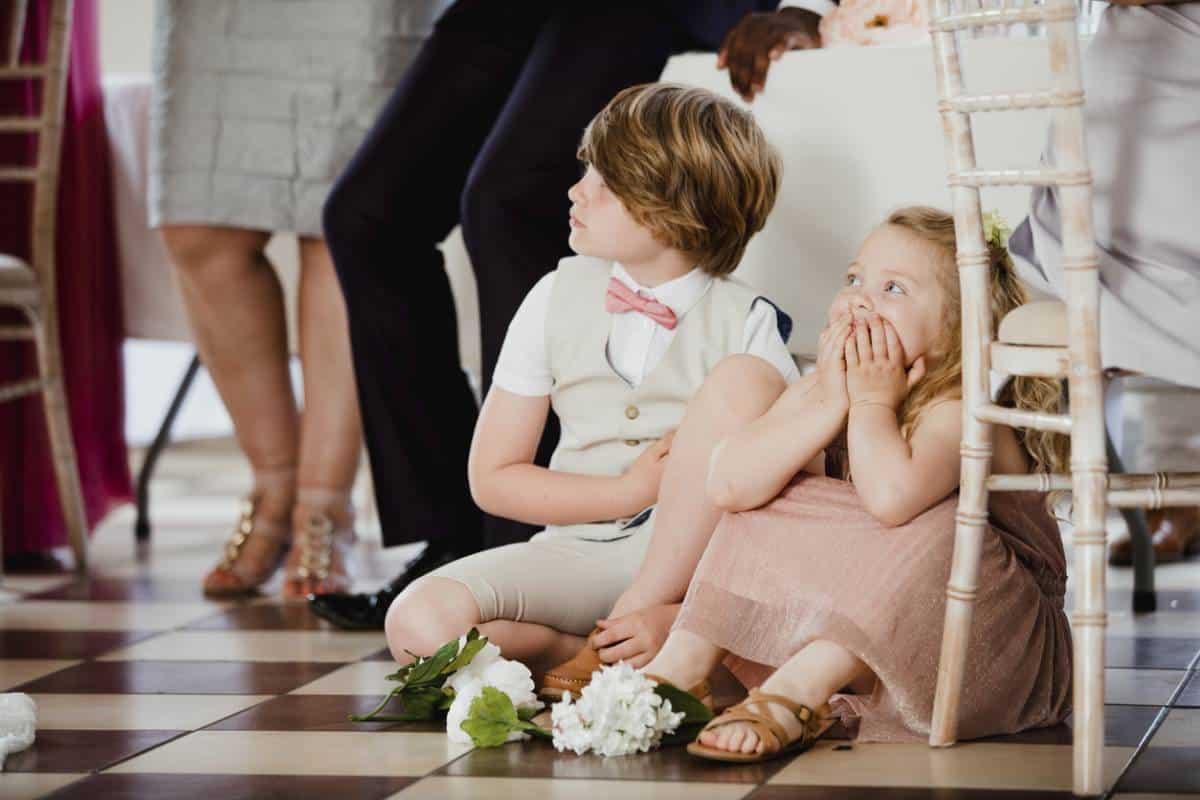 habiller bébé pour cérémonie