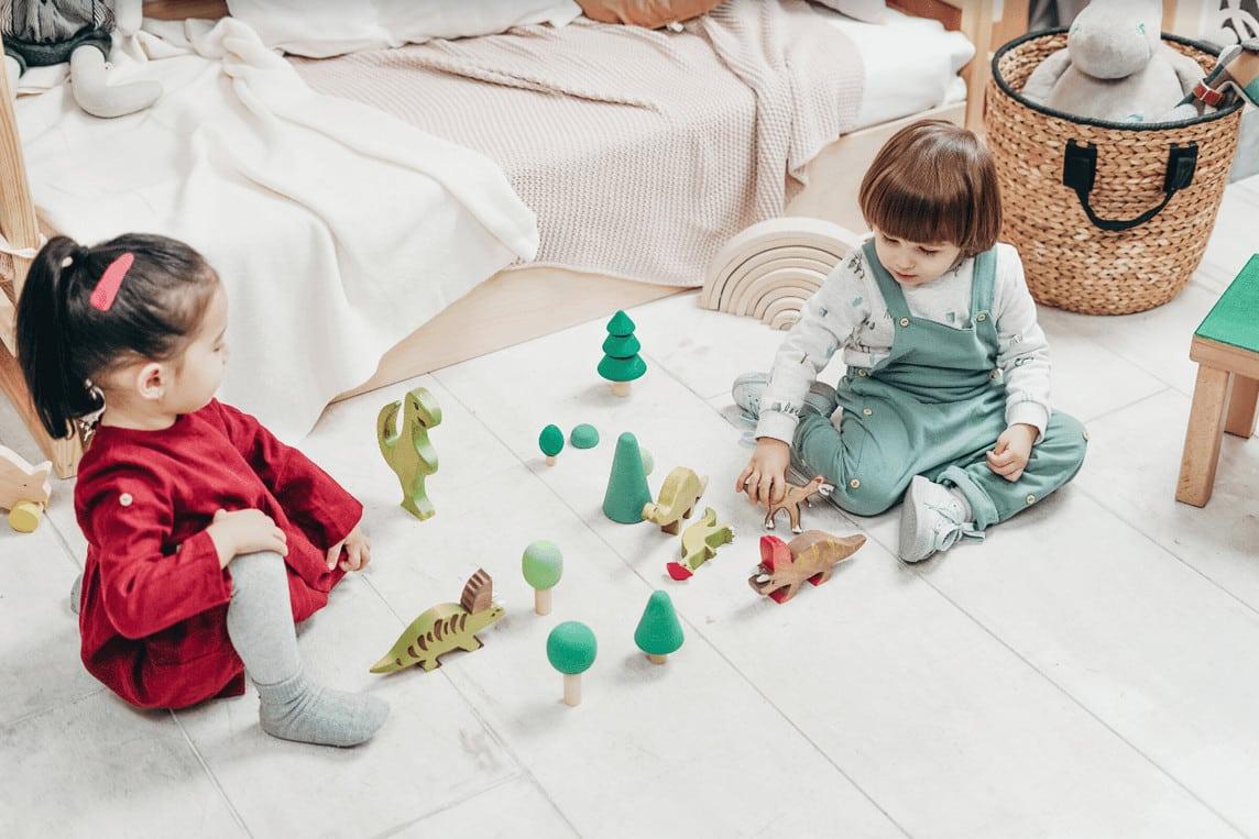 Les jouets en bois pour bébé