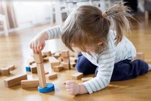 Les meilleurs jouets en bois pour bébé